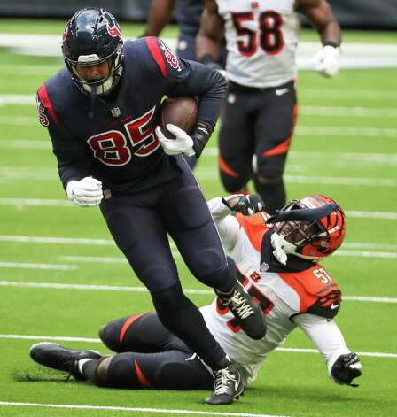 Houston Texans tight end Pharaoh Brown (85) breaks away from Cincinnati Bengals linebacker Germaine Pratt (57) for a reception that resulted in a first down during the fourth quarter of an NFL football game at NRG Stadium on Sunday, Dec. 27, 2020, in Houston. Photo: Brett Coomer, Staff Photographer / © 2020 Houston Chronicle