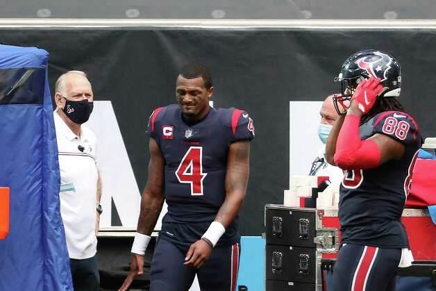 Houston Texans quarterback Deshaun Watson (4) walks to the medical tent after he was injured after being sacked during the fourth quarter of an NFL football game against the Cincinnati Bengals at NRG Stadium on Sunday, Dec. 27, 2020, in Houston. Photo: Brett Coomer, Staff Photographer / © 2020 Houston Chronicle