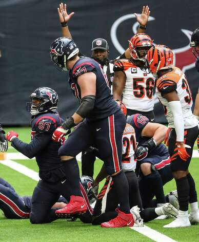 Houston Texans tight end Darren Fells (87) celebrates after fighting his way into the end zone for a 22-yard touchdown reception against the Cincinnati Bengals during the fourth quarter of an NFL football game at NRG Stadium on Sunday, Dec. 27, 2020, in Houston. Photo: Brett Coomer, Staff Photographer / © 2020 Houston Chronicle