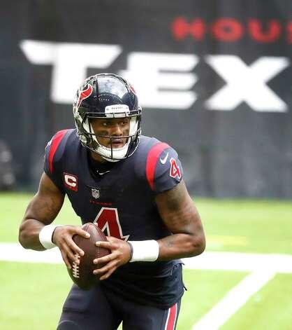 Houston Texans quarterback Deshaun Watson (4) looks to pass the ball during the fourth quarter of an NFL football game at NRG Stadium, Sunday, December 27, 2020, in Houston. Photo: Karen Warren, Staff Photographer / © 2020 Houston Chronicle