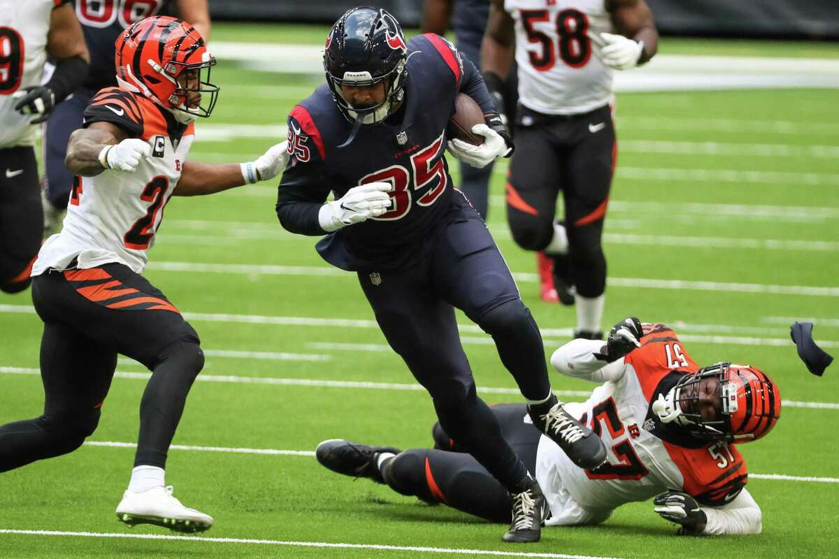 Houston Texans tight end Pharaoh Brown (85) breaks away from Cincinnati Bengals linebacker Germaine Pratt (57) for a reception that resulted in a first down during the fourth quarter of an NFL football game at NRG Stadium on Sunday, Dec. 27, 2020, in Houston.