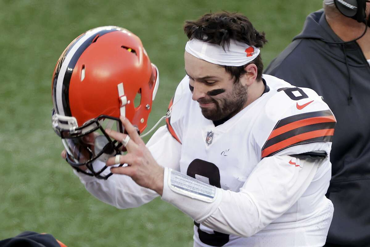 Browns QB Baker Mayfield (6) fumes after his game-ending fumble. He completed 28 of 53 pass attempts for 285 yards in Cleveland's loss.