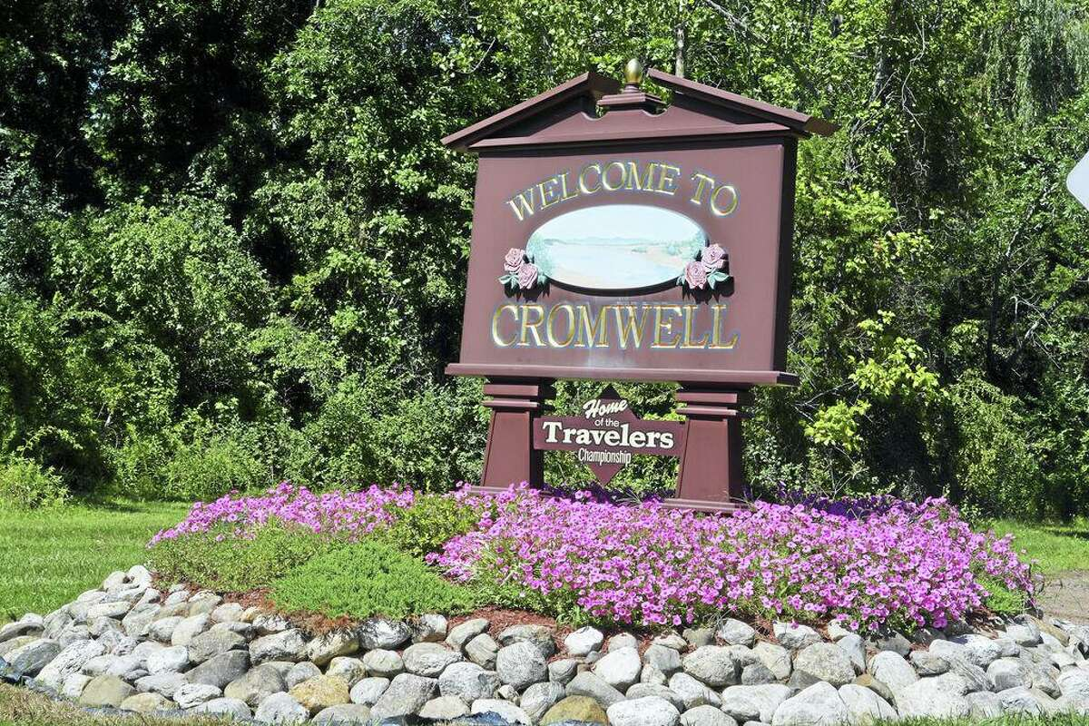 Cromwell sign.