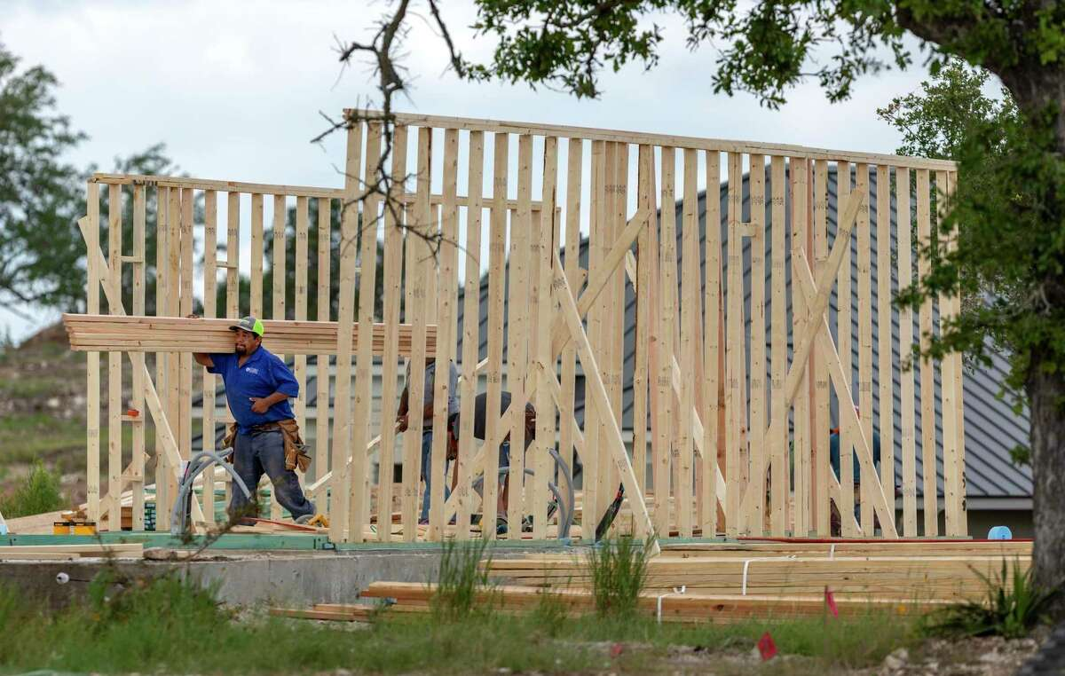 Builders started work on 4,458 homes in the San Antonio area in the third quarter, according to a report by Zonda, formerly known as Metrostudy.