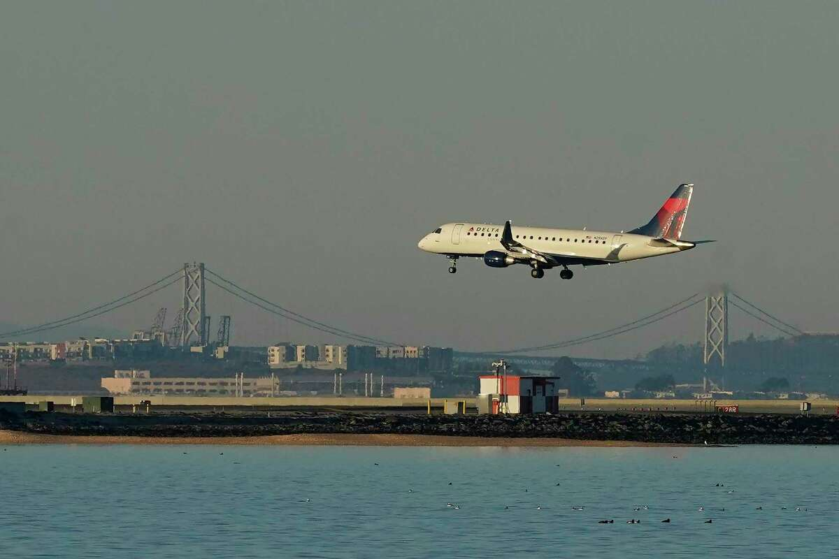 Looking to attract frequent travelers, Delta Air Lines has gotten aggressive with its Gold Medallion status program, matching the perks offered by competing airlines.