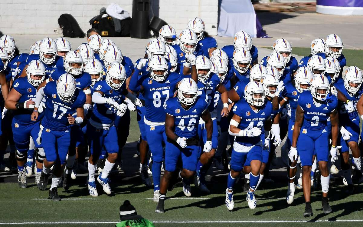 LAS VEGAS, NEVADA - DECEMBER 19: The San Jose State Spartans take the field for the Mountain West Football Championship against the Boise State Broncos at Sam Boyd Stadium on December 19, 2020 in Las Vegas, Nevada. The Spartans defeated the Broncos 34-20. (Photo by Ethan Miller/Getty Images)