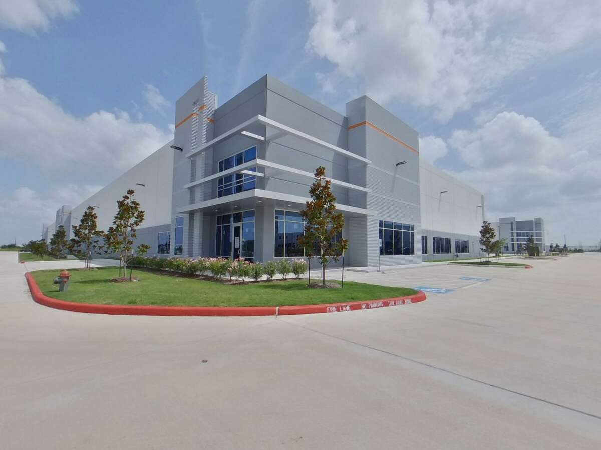 Stream Realty Partners closed four lease transactions totaling more than 212,800 square feet at Waypoint Business Park in Missouri City. Tenants include Advanced Wheel Sales, Edvivi Lighting; Rasa Floors and Texas Plumbing Supply.