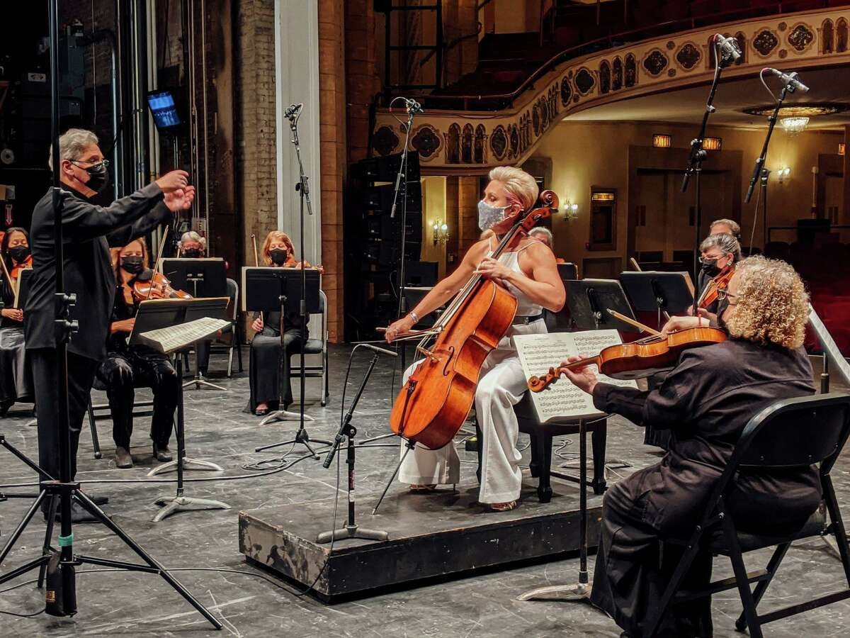 """World-renowned violinist Pinchas Zukerman and acclaimed Canadian cellist Amanda Forsyth were among the performers in """"Together Again,"""" Stamford Symphony's virtual gala and concert on Oct. 24."""