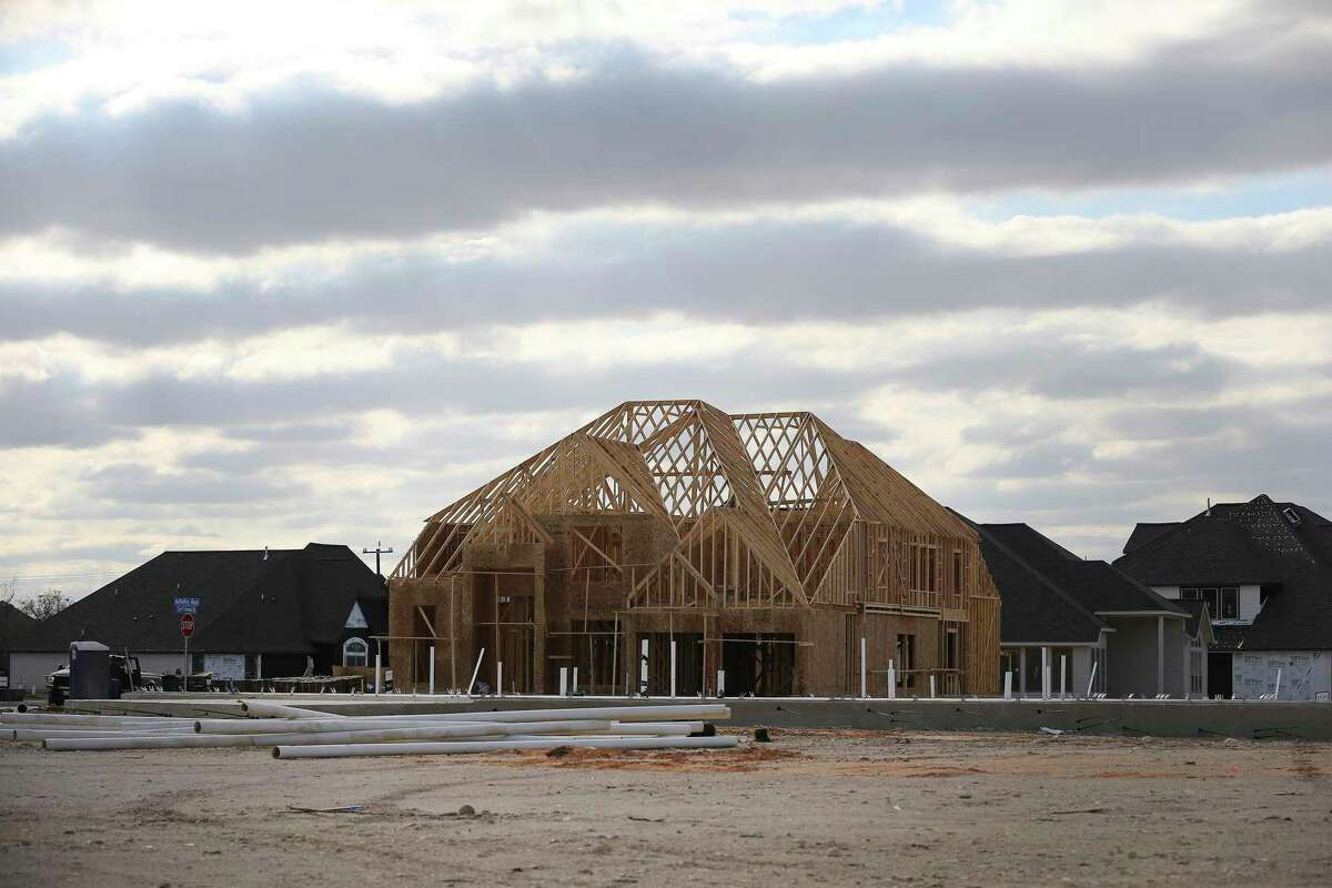 Construction of new homes is surging in the San Antonio area.