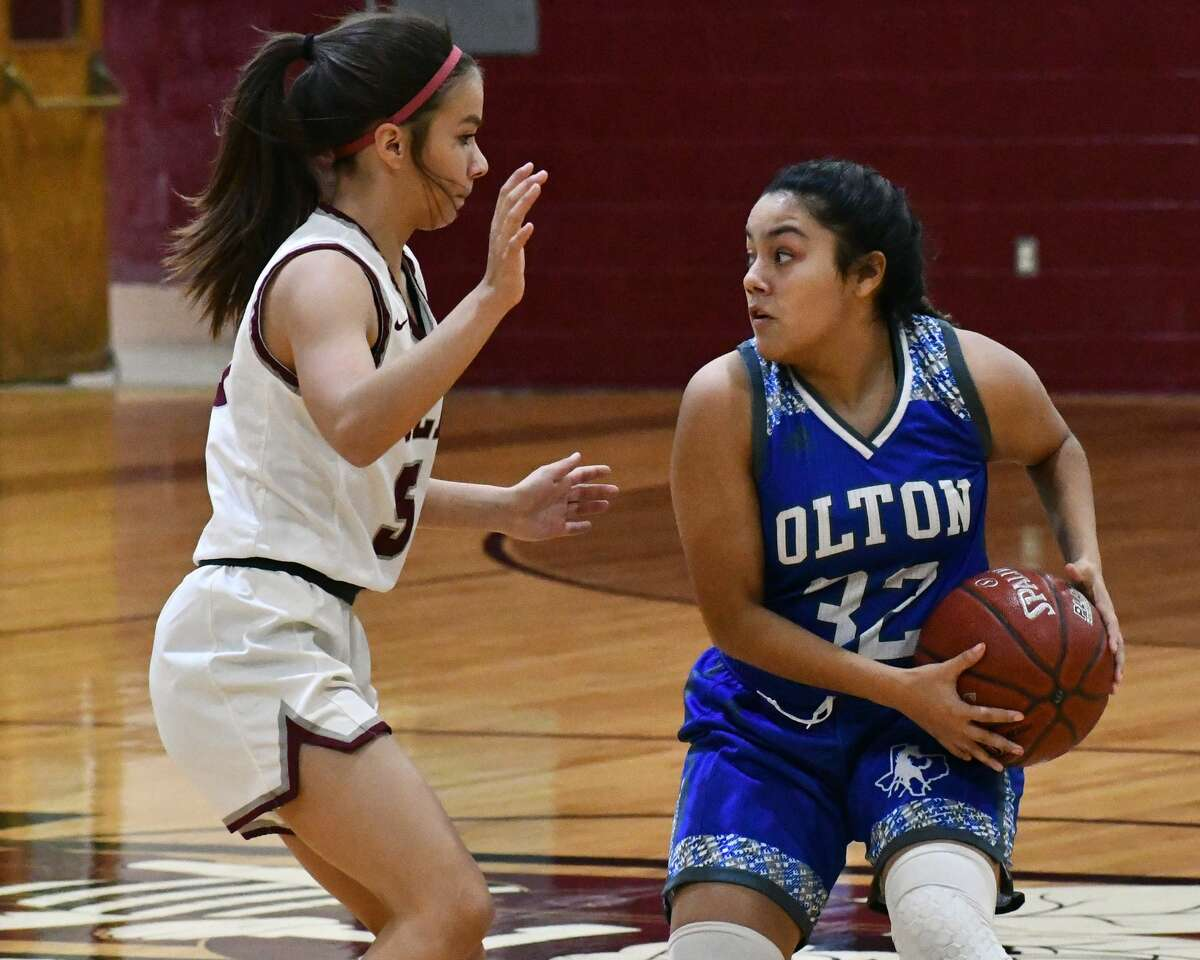 Olton picked up a pair of wins in a sweep of Tulia in non-district high school basketball games on Tuesday at Tulia. The Fillies overcame the Lady Hornets 68-64 in overtime and the Mustangs topped the Hornets 67-52.