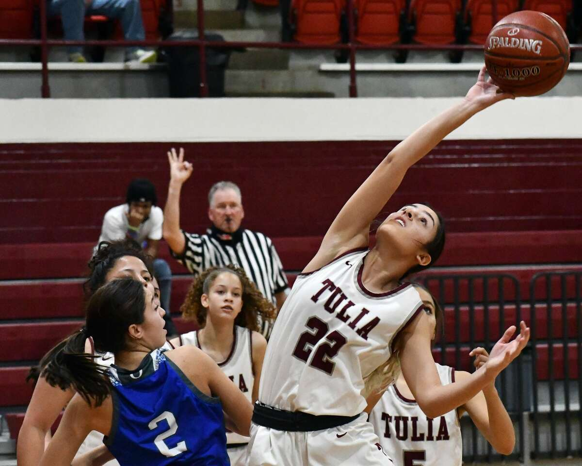 Tulia's Jeslyn Chasco tries to corral the loose ball.