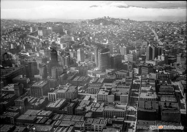 An aerial view of San Francisco's downtown in 1921. The Hobart Building and Standard Oil Building are both under construction. Photo: OpenSFHistory / Wnp15.821.jpg