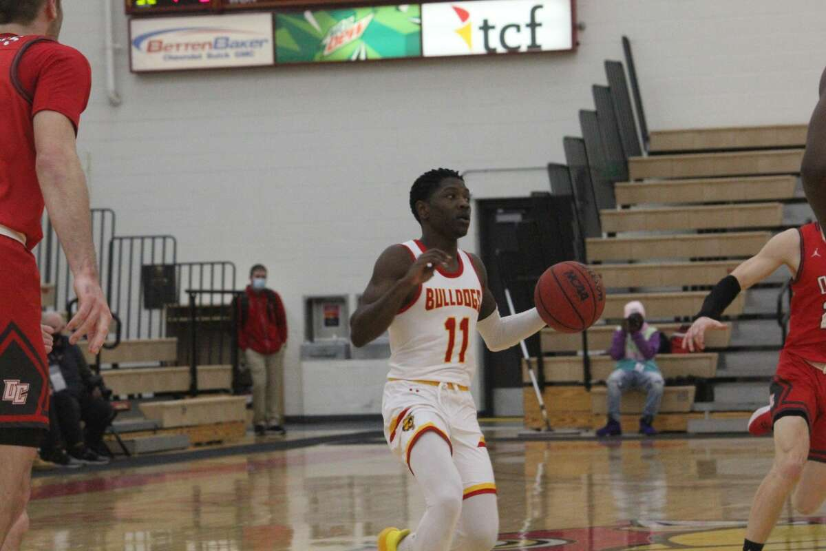 Ferris State's men's basketball team opened its home season on Wednesday with a 105-55 triumph over Olivet.