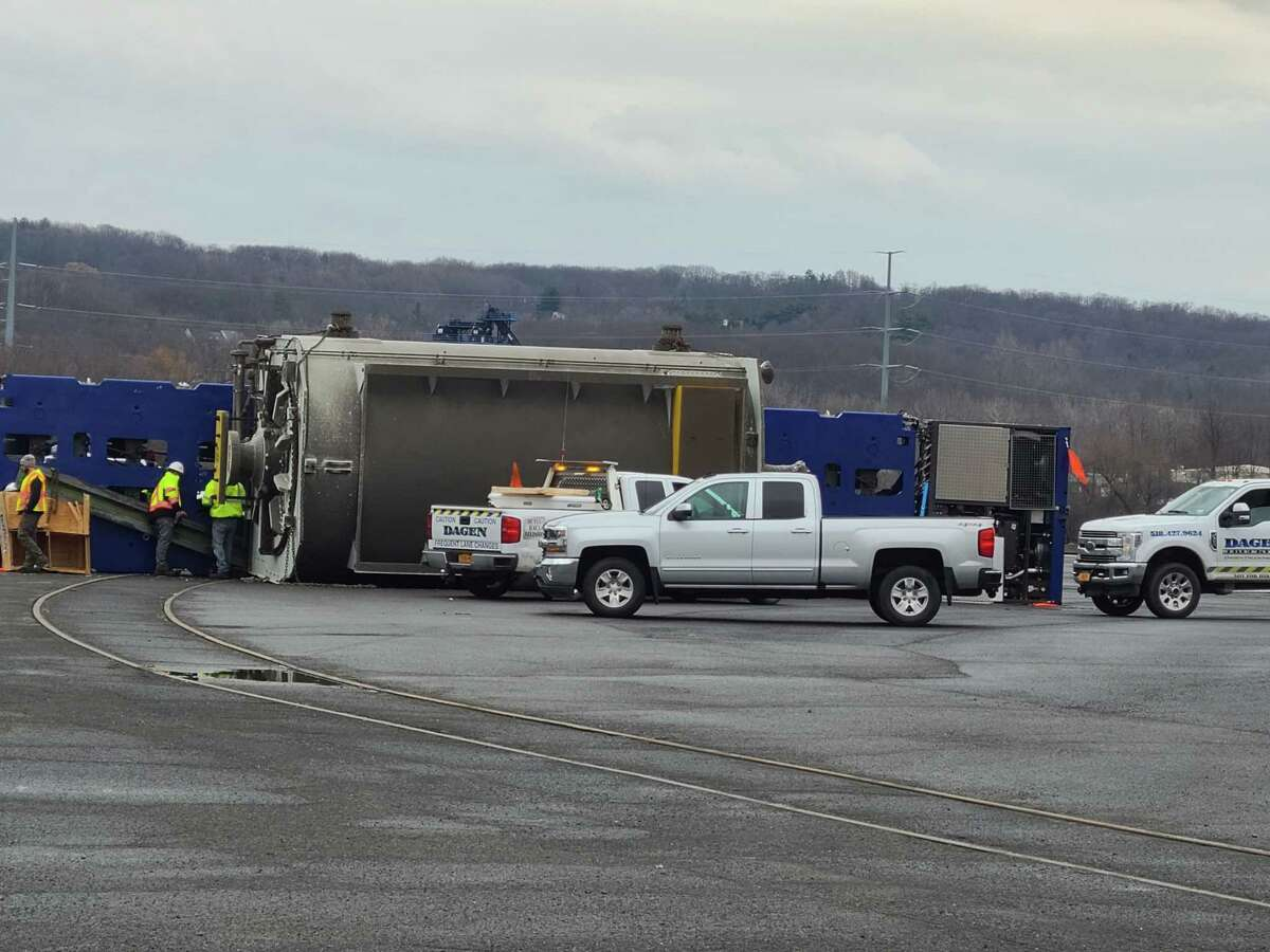 A GE generator fell on its side at the Port of Albany on New Year's Eve day 2020. It was unclear yet if any injuries occured. (Photo provided)
