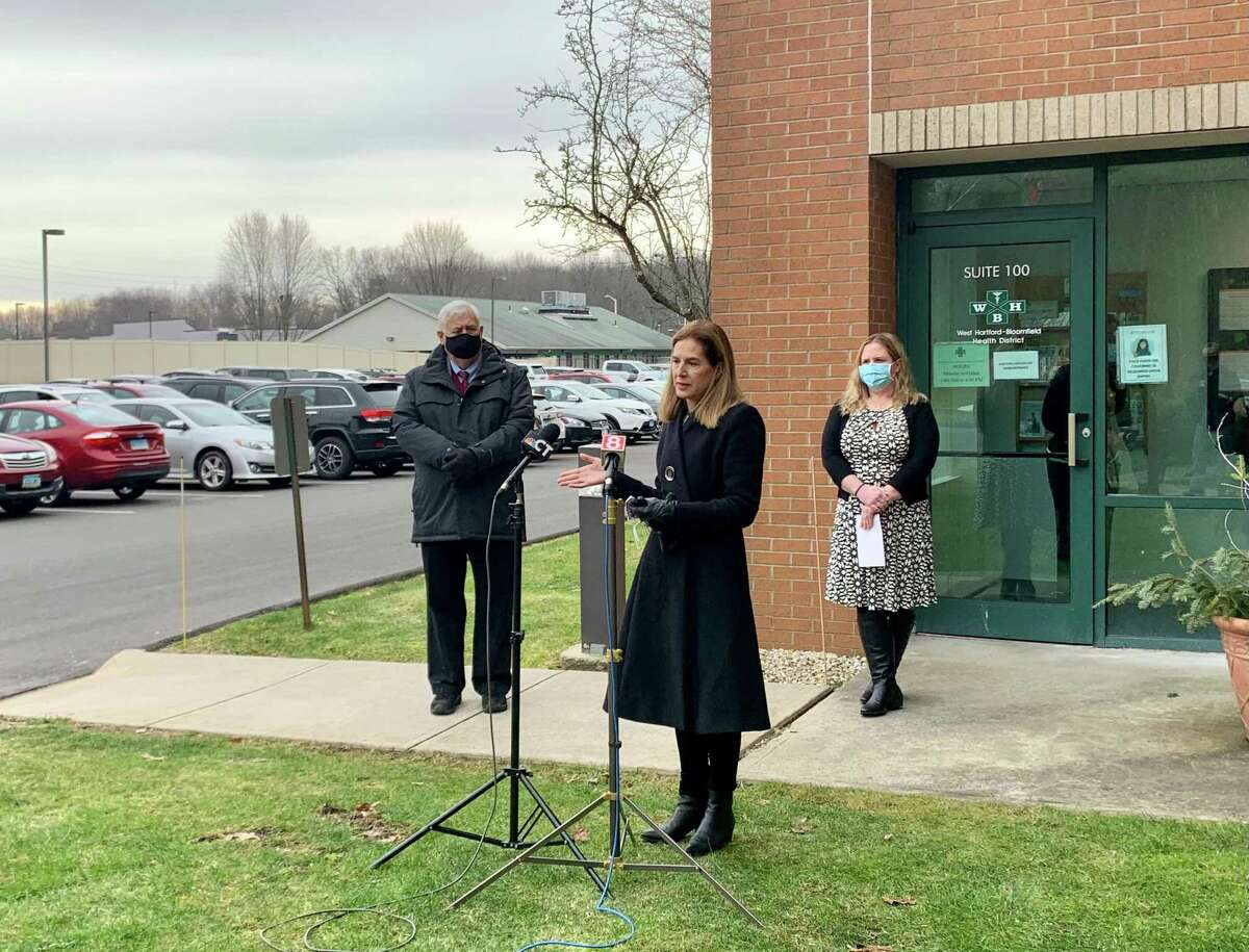 Lt. Gov. Susan Bysiewicz on a recent trip to the West Hartford-Bloomfield Health District.