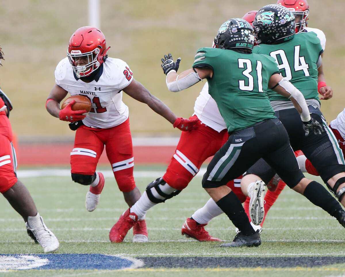 Manvel's De'Monte Seymore (21) is part of a potent running back duo returning for the Mavericks in 2021.