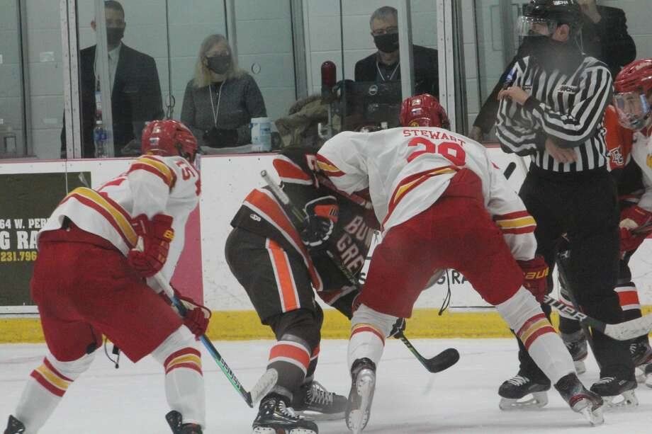 Bowling Green, ranked No. 7 in the country, downed Ferris State 6-1 on Saturday in the WCHA opener for both teams Photo: John Raffel