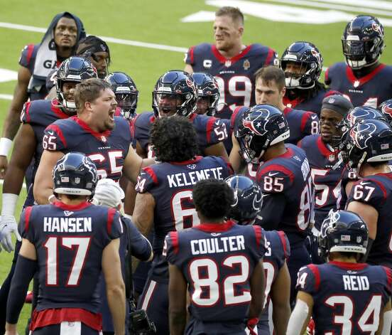 Houston Texans offensive guard Greg Mancz (65) fires up the team in a huddle after warm ups before the start of an NFL football game Sunday, Jan. 3, 2021, at NRG Stadium in Houston . Photo: Karen Warren/Staff Photographer / © 2021 Houston Chronicle