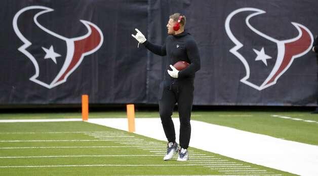 Houston Texans defensive end J.J. Watt waves to fans before the start of an NFL football game Sunday, Jan. 3, 2021, at NRG Stadium in Houston . Photo: Karen Warren/Staff Photographer / © 2021 Houston Chronicle
