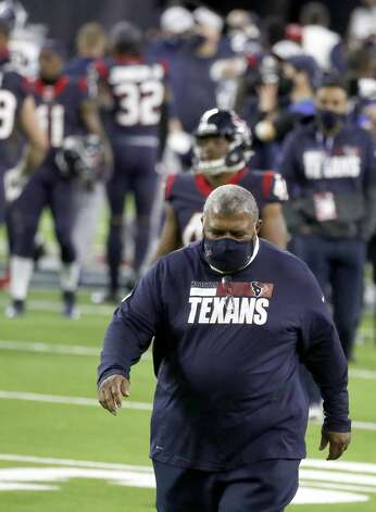 Houston Texans head coach Romeo Crennel walks back to the locker room during the fourth quarter of an NFL football game Sunday, Jan. 3, 2021, at NRG Stadium in Houston . Photo: Karen Warren/Staff Photographer / © 2021 Houston Chronicle
