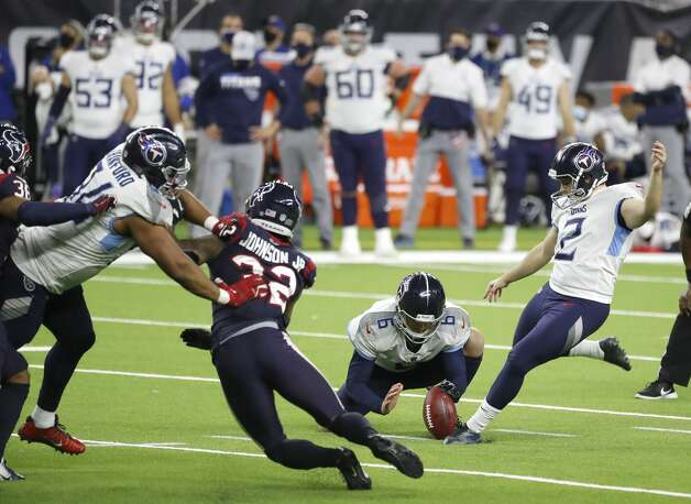 Tennessee Titans kicker Sam Sloman kicks the winning field goal in the final seconds for the 41-38 win over the Houston Texans during the fourth quarter of an NFL football game Sunday, Jan. 3, 2021, at NRG Stadium in Houston. Photo: Karen Warren/Staff Photographer / © 2021 Houston Chronicle