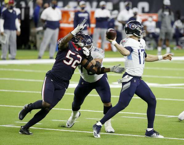 Houston Texans linebacker Jonathan Greenard (52) tries to get his hands on Tennessee Titans quarterback Ryan Tannehill (17) during the third quarter of an NFL football game Sunday, Jan. 3, 2021, at NRG Stadium in Houston . Photo: Karen Warren/Staff Photographer / © 2021 Houston Chronicle