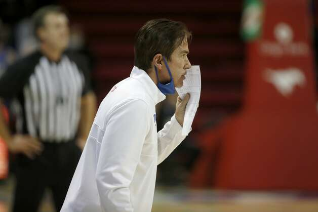 SMU head coach Tim Jankovich talks to his players from the sideline during the first half of an NCAA college basketball game in Dallas, Sunday, Jan. 3, 2021. (AP Photo/Roger Steinman) Photo: Roger Steinman/Associated Press / Copyright 2021 The Associated Press. All rights reserved.