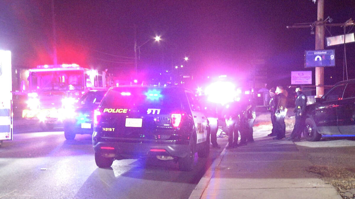 Several people were arrested and at least two injuries were reported after street racing club popped up around the city Sunday night, San Antonio police said.