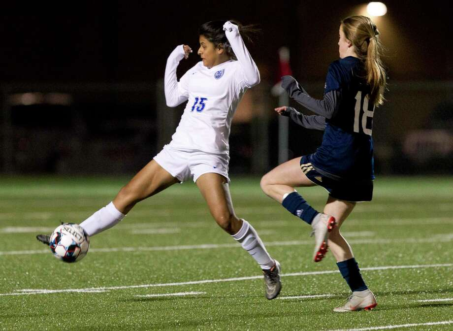 New Caney defender Kathya Leija (15) is one of the top returning players for the Lady Eagles this season. Photo: Jason Fochtman, Houston Chronicle / Staff Photographer / © 2019 Houston Chronicle