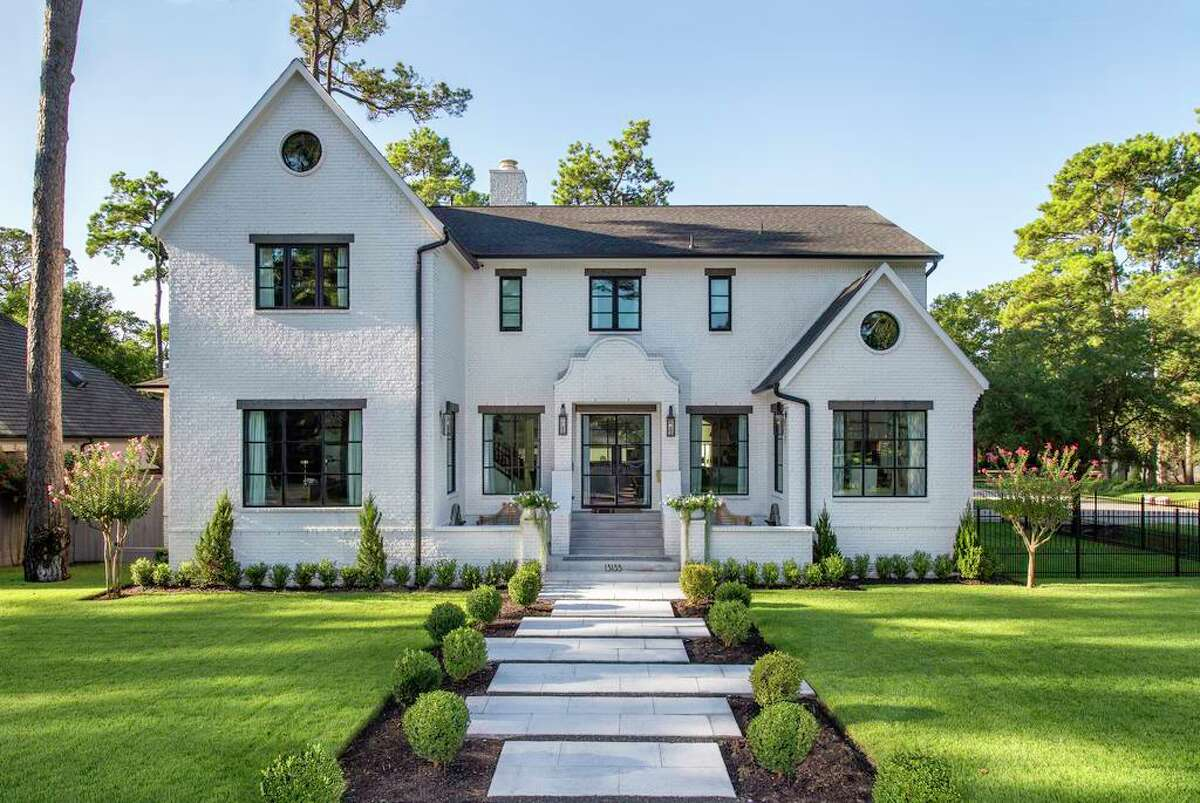 1. Contemporary style: Homeowners are opting for more transitional and contemporary homes, such as this one in the Gaywood neighborhood on Houston's west side.