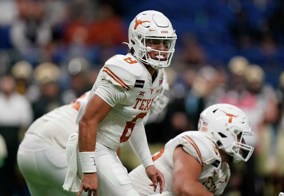 Over the course of five second-half Alamo Bowl drives, Texas quarterback Casey Thompson torched Colorado for 170 yards and four touchdowns on 8-of-10 passing.