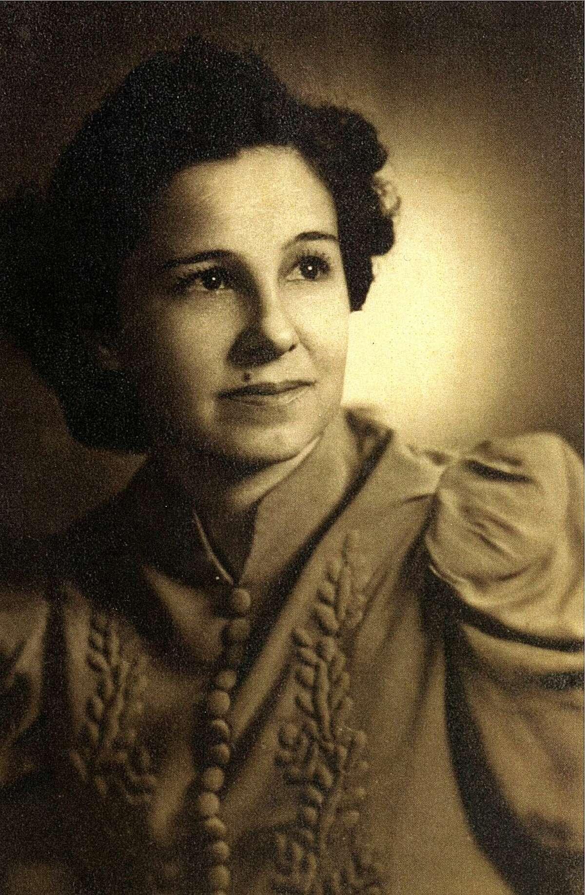 Alicia Patiño