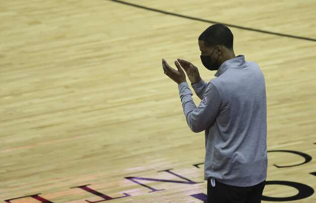 Houston Rockets Head Coach Stephen Silas claps hands for his team during the fourth quarter of a NBA game against the Dallas Mavericks Monday, Jan. 4, 2021, at Toyota Center in Houston. Photo: Yi-Chin Lee/Staff Photographer / © 2021 Houston Chronicle