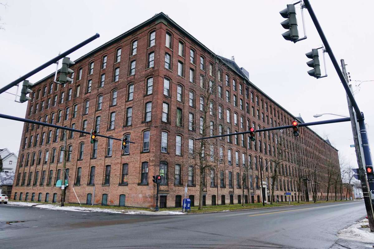 A view of the Standard Manufacturing building on 2nd Ave. on Tuesday, Jan. 5, 2021, in Troy, N.Y. There are plans to turn the space into 151 apartment units with commercial space on the first floor. (Paul Buckowski/Times Union)