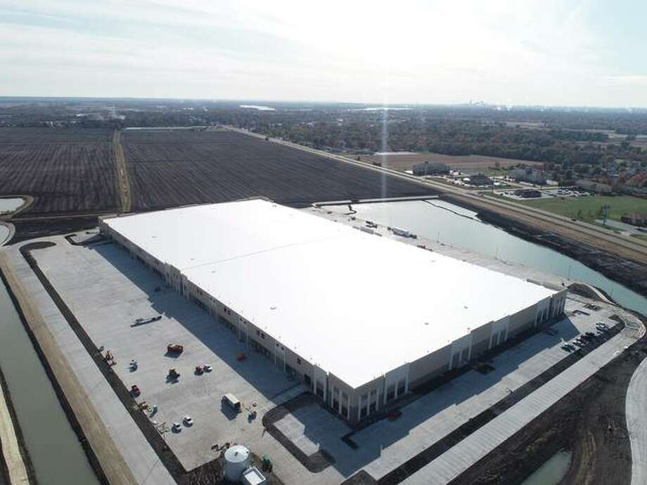 Contegra Construction Co. has completed work on a 544,000-square-foot warehouse in Pontoon Beach six months after completing the first distribution center at the 600-acre development.