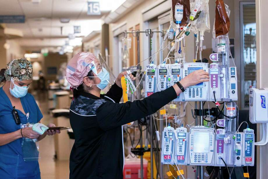 A promising COVID-19 antibody treatment at Houston Methodist is keeping patients out of the hospital.  Featured image: Houston Methodist nurses in COVID-19 unit Photo: Mark Mulligan, Houston Chronicle / Staff Photographer / © 2021 Mark Mulligan / Houston Chronicle