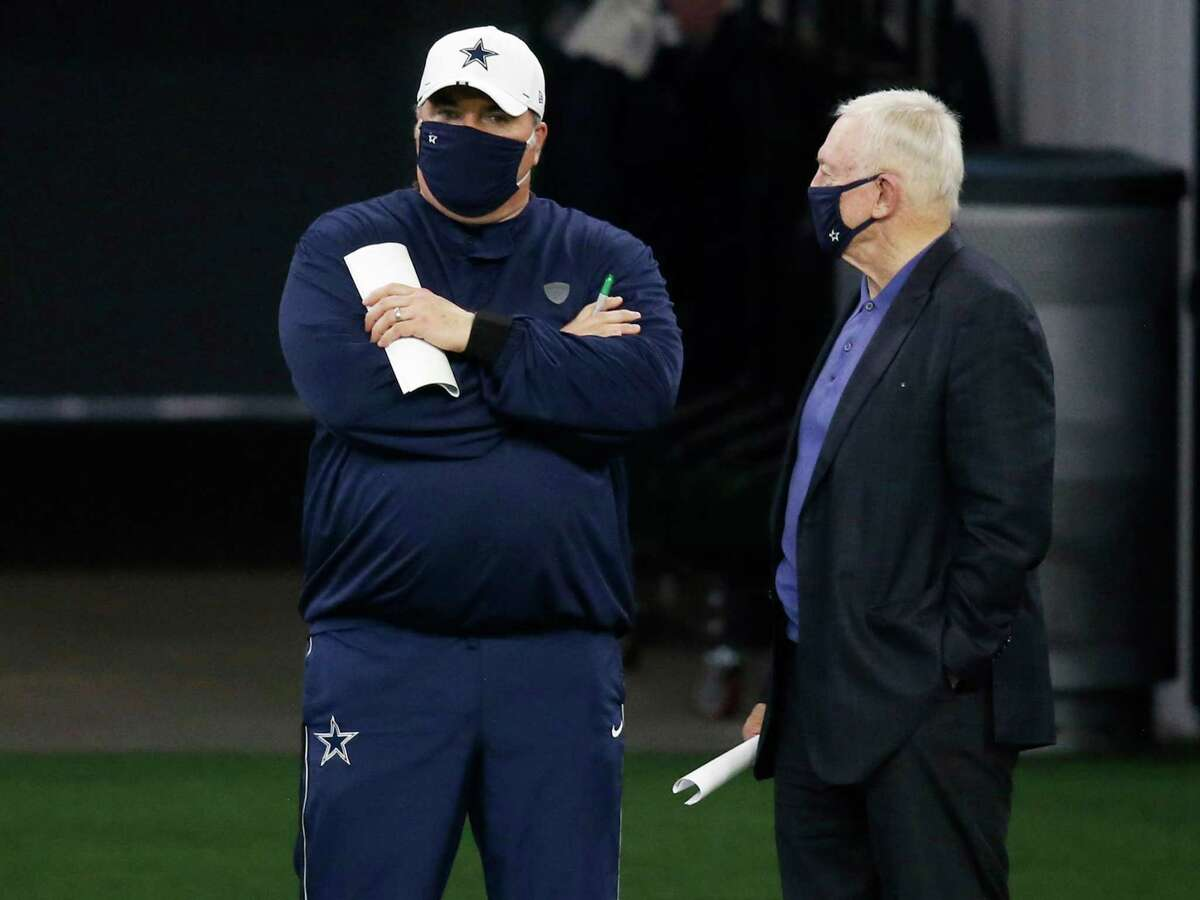 Dallas Cowboys head coach Mike McCarthy talks to Dallas Cowboys owner and general manager Jerry Jones on the sidelines in practice during training camp at the Dallas Cowboys headquarters at The Star in Frisco, Texas on Monday, Aug. 31, 2020. (Vernon Bryant/The Dallas Morning/TNS)
