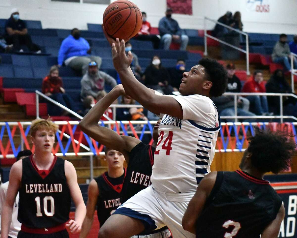 Plainview closed out its non-district slate with a 54-43 win over Levelland on Tuesday night in the Dog House.
