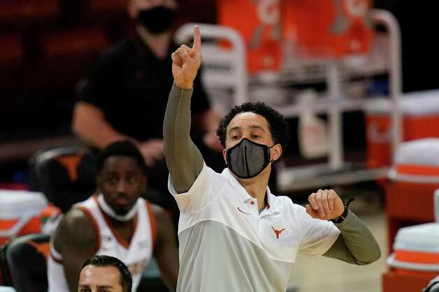 Texas head coach Shaka Smart directs his team during the first half of an NCAA college basketball game against Iowa State, Tuesday, Jan. 5, 2021, in Austin, Texas. (AP Photo/Eric Gay) Photo: Eric Gay, Associated Press / Copyright 2021 The Associated Press. All rights reserved.