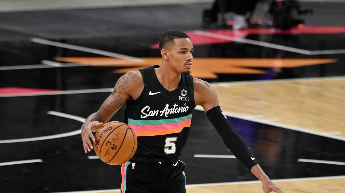 Why watch Dejounte Murray's highlights on ESPN when his father is sharing his best plays in the most dad way possible - via a recording of an iPad -- with colorful commentary only a pops can provide.