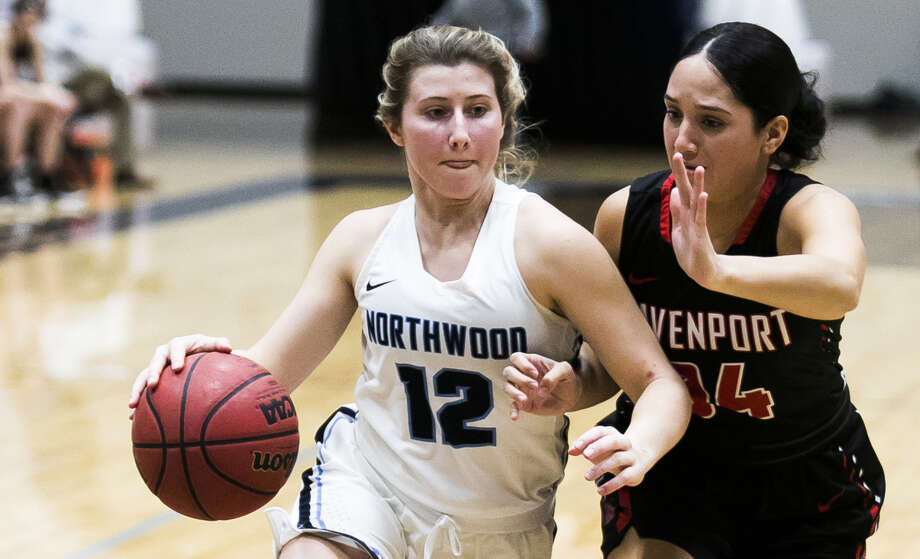 Northwood's Kenzie Seeley drives into the lane during a Jan. 10, 2019 game against Davenport. Photo: Daily News File Photo