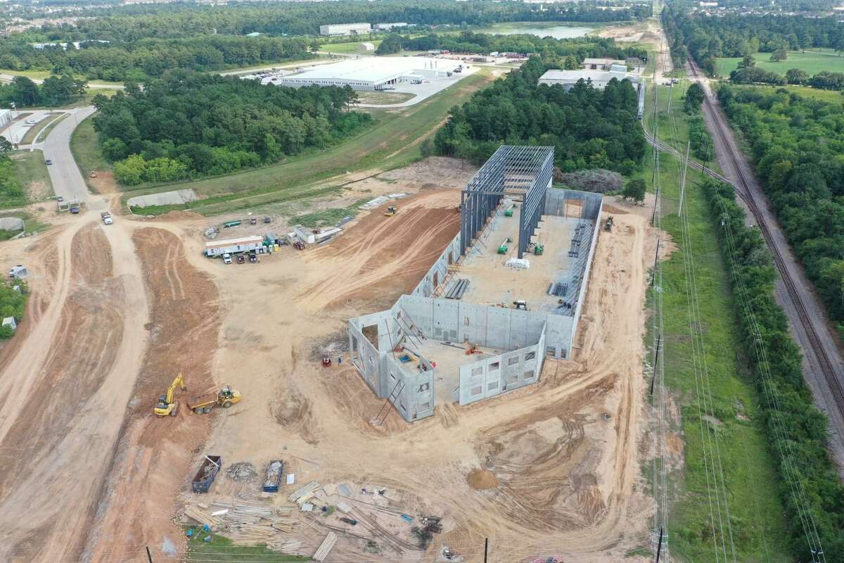 Welcome Group is developing a 65,961 square-foot build-to-suit facility in theTomball Business and Technology Parkfor JDR Cable Systems. KDW is constructing the building.