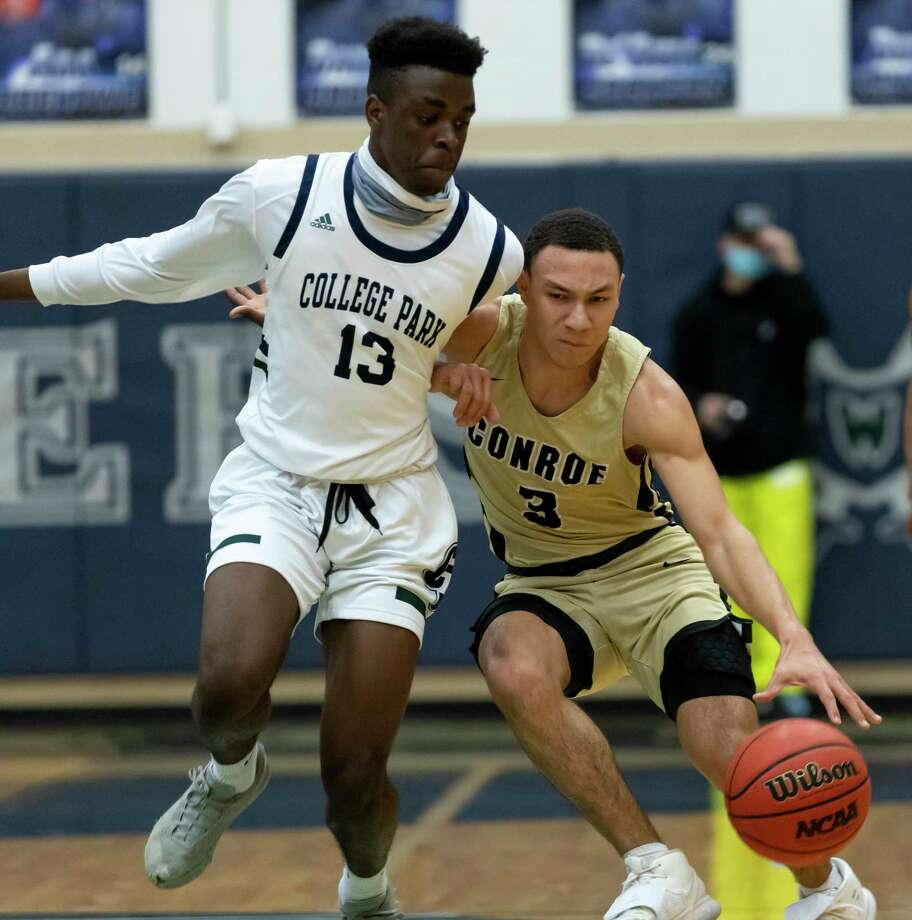 Conroe Mikey Sneed (3), shown here last month against College Park, scored 12 points against Willis Wednesday night. Photo: Gustavo Huerta, Houston Chronicle / Staff Photographer / 2020 © Houston Chronicle