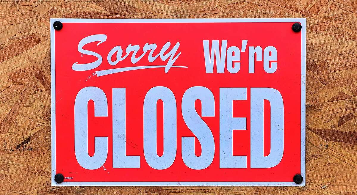 A closed sign posted outside a business in Los Angeles during the pandemic.