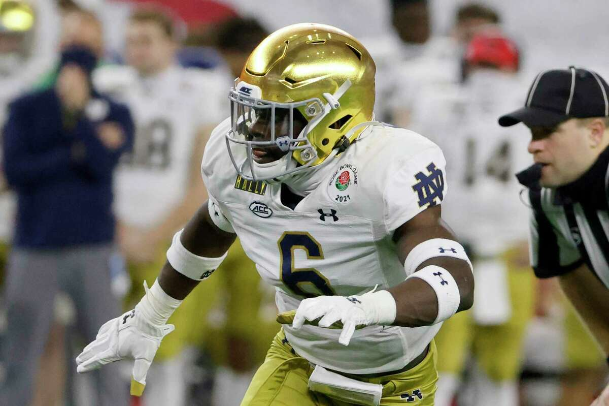 Notre Dame linebacker Jeremiah Owusu-Koramoah (6) was named to the Walter Camp All-America first team.