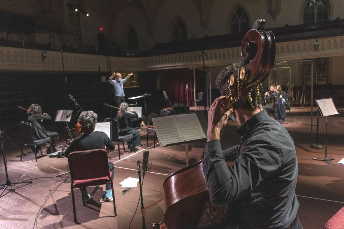David Alan Miller conducts the Albany Symphony Orchestra's November concert at Universal Preservation Hall in Saratoga Springs. (Gary Gold photo.)