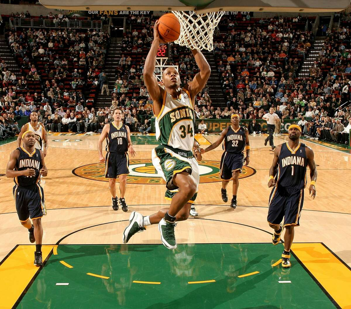 SEATTLE - DECEMBER 01: Ray Allen #34 of the Seattle SuperSonics shoots against the Indiana Pacers on December 01, 2006 at Key Arena in Seattle, Washington. Photo by Otto Greule Jr/Getty Images)