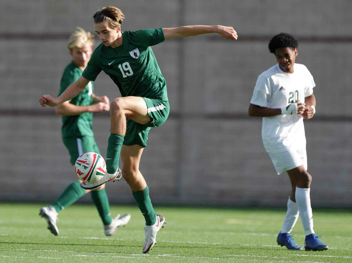The Woodlands defender Max Coady (19) controls the ball during the first period of a match during the Kilt Cup soccer tournament, Friday, Jan. 8, 2021, in Shenandoah.