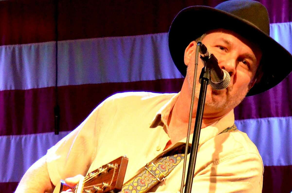 """Humble-raised country music singer Randy Moore has returned to his Texas roots in his new album, """"Lufkin."""""""