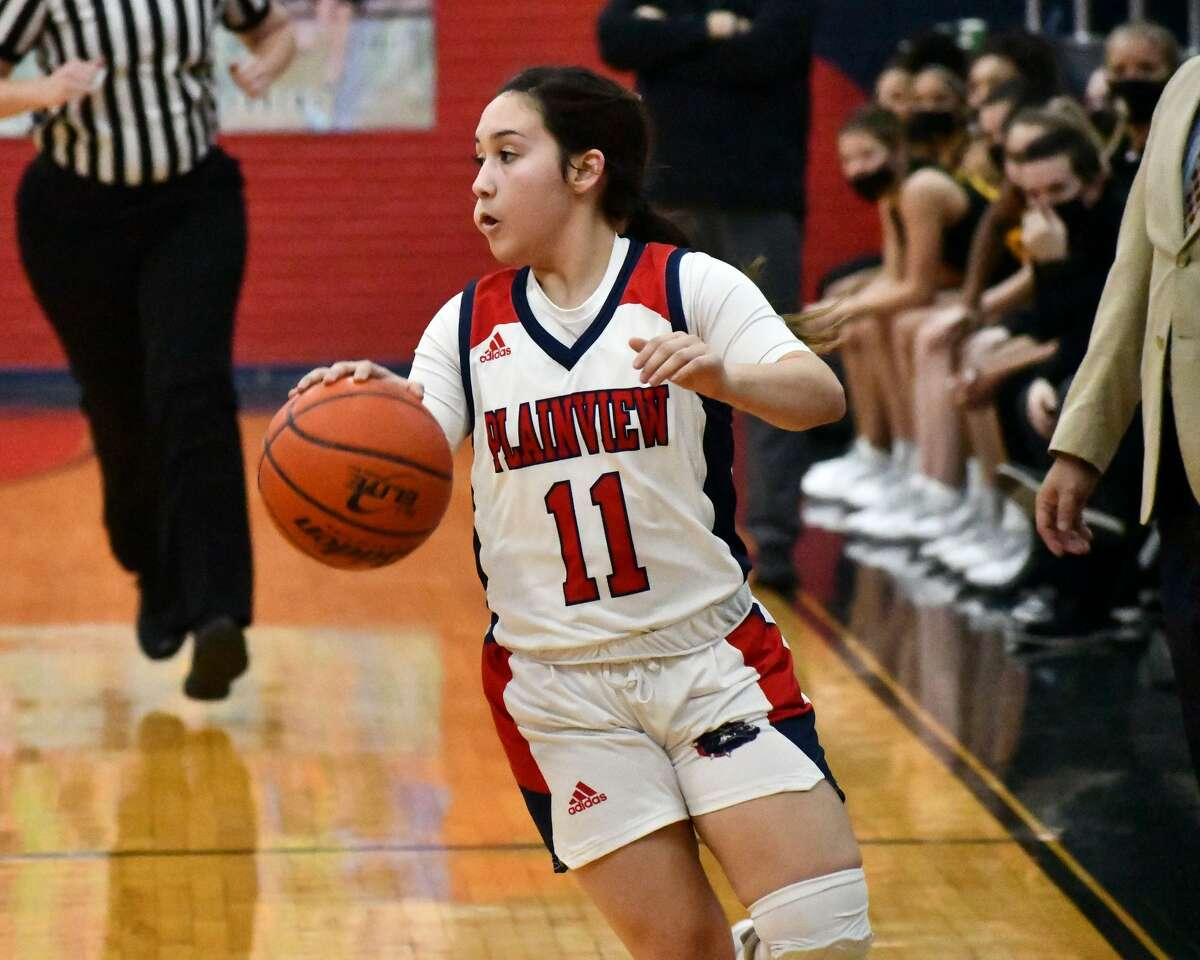 The Plainview Lady Bulldogs upset second-ranked Amarillo 71-70 on Friday in the Dog House.